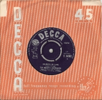 "Mighty Avengers, The - So Much In Love/ Sometimes They Say, original UK 7"" single release on Decca Records F.11962 in 1964"